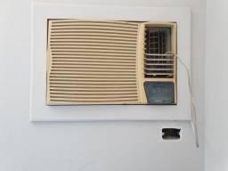 Ar Condicionado de janela 21.000BTU