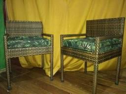 Cadeiras em fibra sintetica