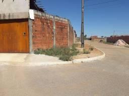 Casa quitada de esquina no Jd.Recanto