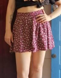 Saia de viscose com forrinho de shorts, tamanho P