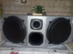 Caixa de som amplificada para carro de 2000wst seme novo