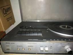 Vitrola Philips com rádio no estado