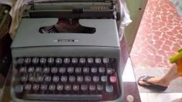 Vendo máquina de escrever Lettera 22