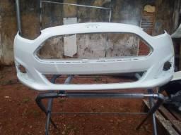 Parachoques de carro Ford K recuperado e pintado