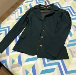 Blazer verde militar com botões dourados lycra elastano estica tamanho P R$25,00