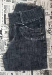 Calça jeans em ótimo estado de uso , tamanho 40.
