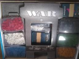 Vendo jogo de estratégia WAR  perfeito