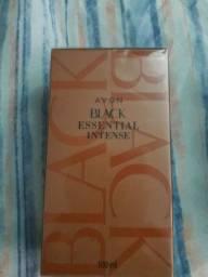 Perfume Black Essenntial Intense.