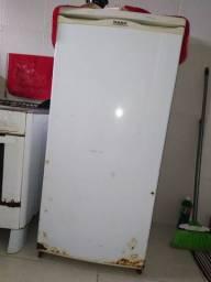 Geladeira R$ 290