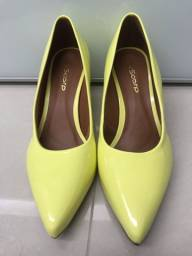 Scarpin amarelo (novo)