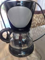 Vende-se Cafeteira britânia 127v