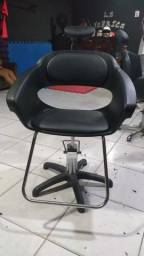 Título do anúncio: Cadeira giratória hidráulica para salão e espelho com prateleira