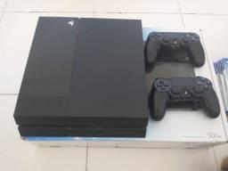 Título do anúncio: Vendo PS4 com 2 controles e 6 Jogos. R$ 1.600,00 Usado