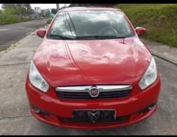 Fiat Gran Siena bem conservado