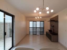 Apartamento com 3 suítes e áreas externas à venda nos Cavaleiros