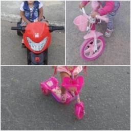Moto elétrica, bicicleta e patinete