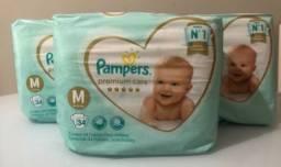 Título do anúncio: Kit com 3 pacotes de fraldas Pampers Premium Care M