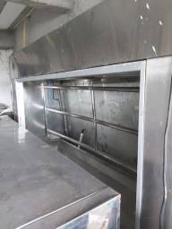 Balcão frigorífico com gancheira