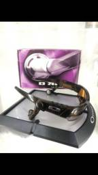 Oakley Thump O ROKR  ?FONES ON ?BLUETOOTH