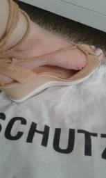 Sandália Schutz