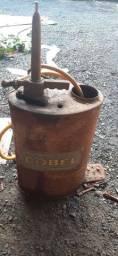Vendo lata Antiga de óleo