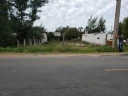Terreno para ponto comercial no Pinhal Sul divisa com magistério