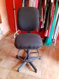 Cadeira alta para loja