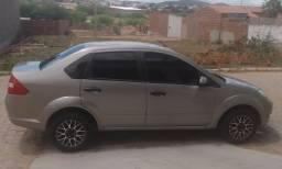 Fiesta sedan 1.6 2005 vendo ou troco em carro do mesmo valor preferência carro 4 portas