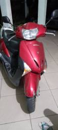 Vendo moto lead nova