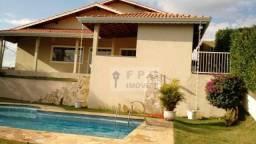 OPORTUNIDADE UNICA: Casa em condomínio fechado com 5 suítes em Bom Jesus dos Perdões, Atib