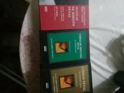 São 3 livros de codigo penal brasileiro
