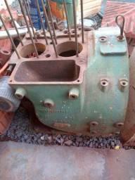 Motor Agrale 2 cilindros desmontado