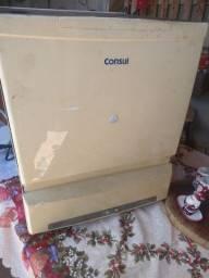 Lava-loucas consul