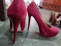 Sapatos 35-36 e 37