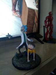 Escultura Rick and morty feita a mao