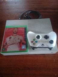 Vendo Xbox One S 1T em Ótimas condições e Funcionamento! Ler Anúncio!