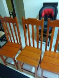 Vendo 3 cadeiras de Angelim R$50 cada
