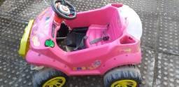 Carro de brinquedo (pedal)
