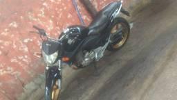 Troco cb 300 em moto menor moto em dias ok