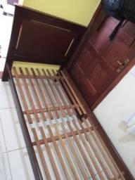 Cama de solteiro madeira forte