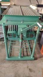 Maquina para fabricação de vela