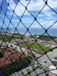 Apartamento com 02 suítes e vista para o mar.
