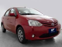 Toyota Etios Sedan 1.5 XS Vermelho 2013 Completo