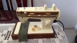 Título do anúncio: Maquina de Costura Singer Flexiponto, em excelente estado, uma costura bem regulada.