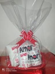 Kit dia dos Namorados 2 canecas + 1 almofada