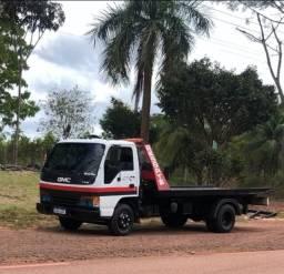 Título do anúncio: Vende-se um caminhão GMC 7110 Guicho é