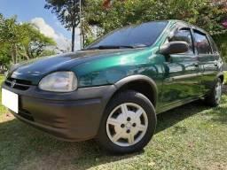 Corsa hatch 1.0 wind verde 1998