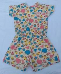 Lindos vestidos e macação infantil