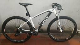 03dbf21dbf027 Caloi Elite Carbon Racing Aro 29 - (2 x 11) - Tamanho M -