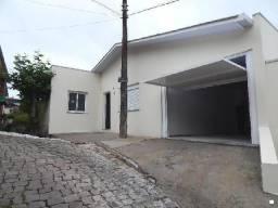 Casa para alugar com 3 dormitórios em , cod:I-023126